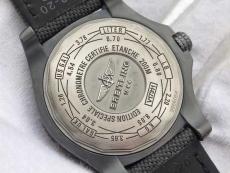 035百年灵.复仇者系列B1316354918004  军用表带 机械男表 ZF